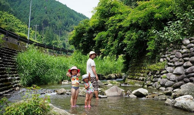 【ジブリっぽいトンネルの先に釣りや川遊びも出来るキャンプ場があった!】グリーンパル日向神峡
